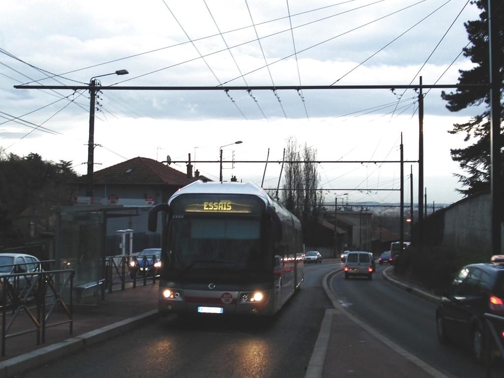 http://histobus.tecelyon.info/Dossiers/Nouveau/Essais_C1_2906.jpg