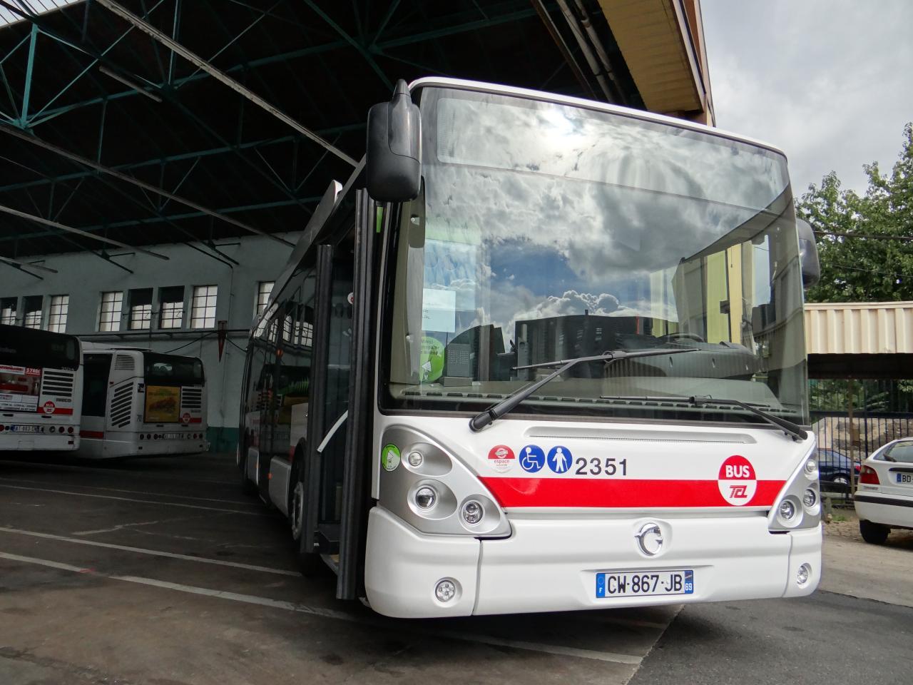 Les hybrides pr sent s la passion des autobus et - Lyon to geneva bus ...